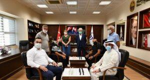 Başkan Kanar, Kuveyt ve Lübnanlılarla Dama Oynadı